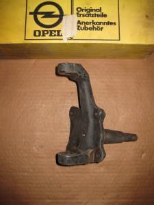 Achsschenkel rechts  Opel GT  3 08 97