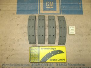 Bremsbelagsatz vorne 5,00mm Kadett A 16 05 060