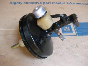 Bremskraftverstärker und Hauptbremszylinder