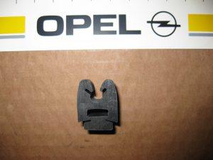 Haubenhaltergummi  Opel Gt  11 80 211