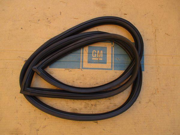 Frontscheibengummi GTA 1 08 590R
